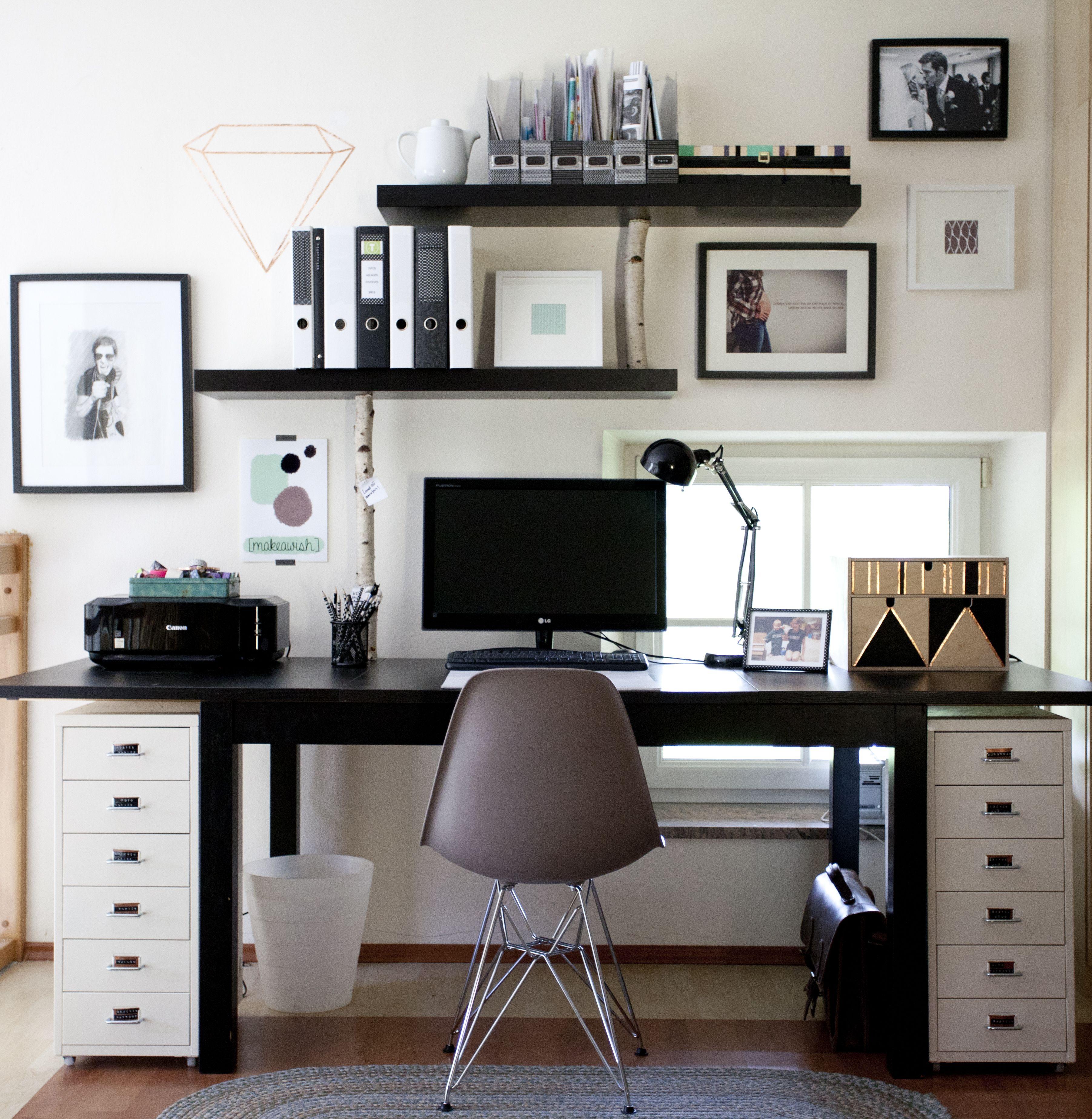 Graue Wände Wohnzimmer: Arbeitsbereiche, Schwarze