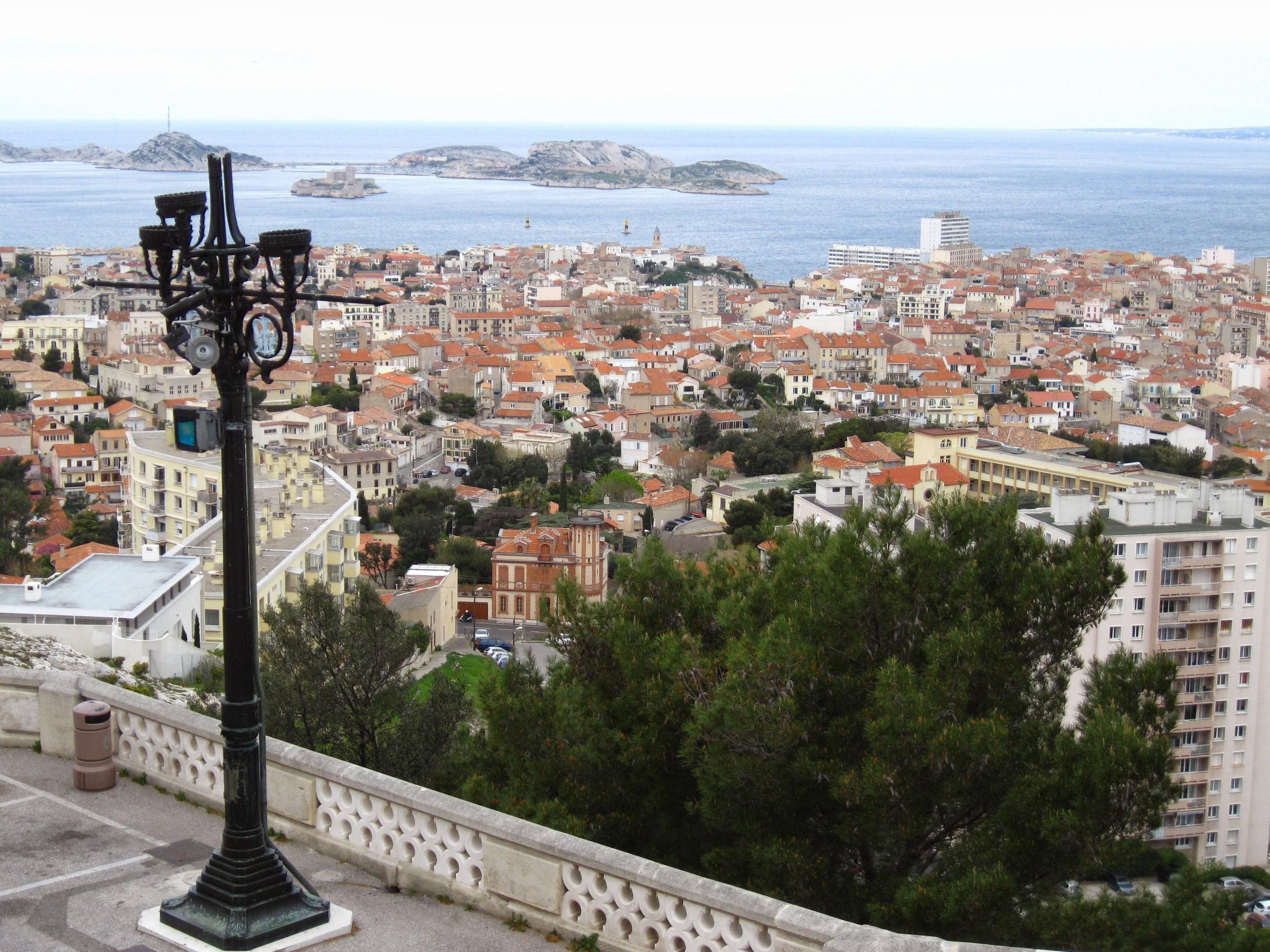 Marseille, France [OC] [2861x2146] Marseille, France, Paris