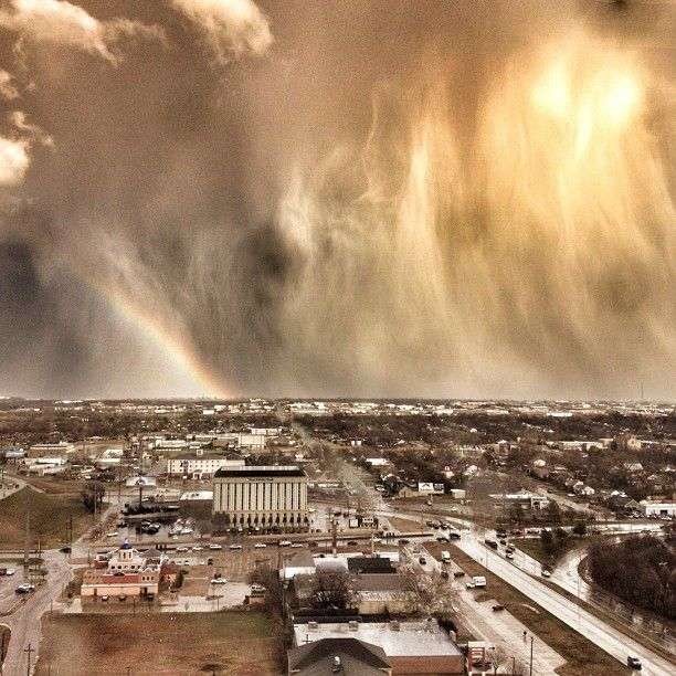 """""""Oklahoma has some of the craziest weather."""" - Blake K. Brown, #Mashpics #Weather"""