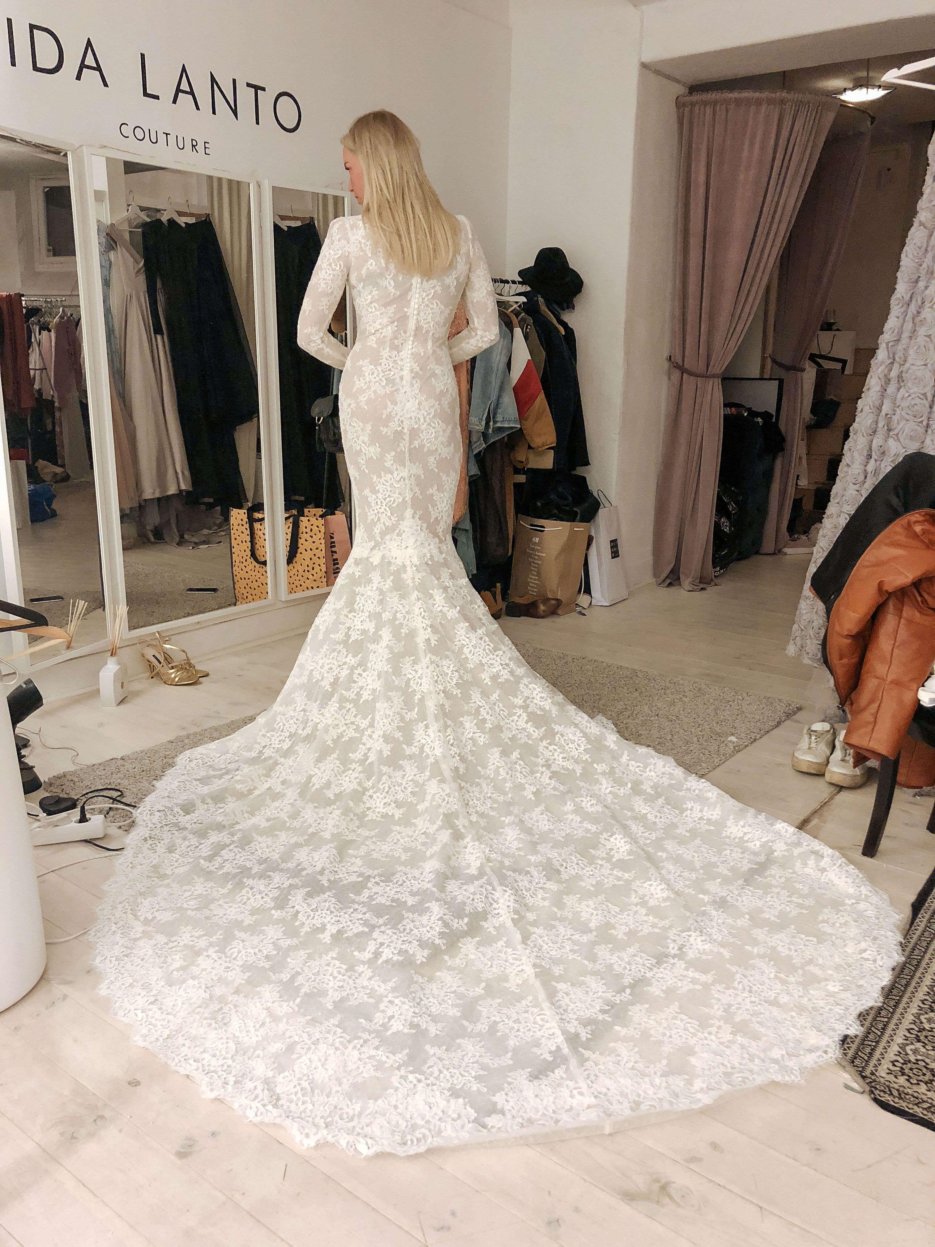 Min bröllopsklänning – Den första i spets. Petra Tungården