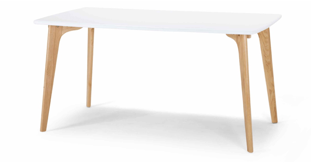Fjord Une Table Rectangulaire Chene Et Blanc Made Com Table A Manger Rectangle Table Blanche Et Bois Chaises De Table A Manger