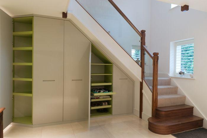 Schrank unter treppe und andere lösungen wie sie für mehr stauraum sorgen