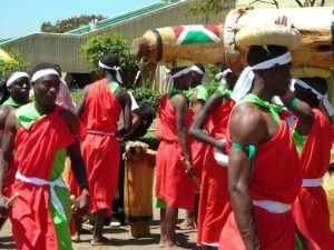 Os Bakas também conhecidos como Pigmeus - Camaróes