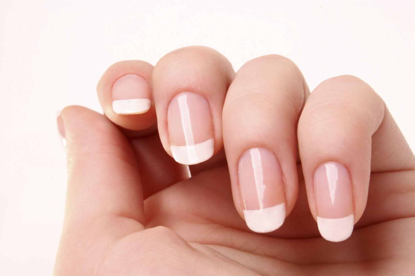 nagellack maniküre nailart schöne kurze nageldesign nägel design ...