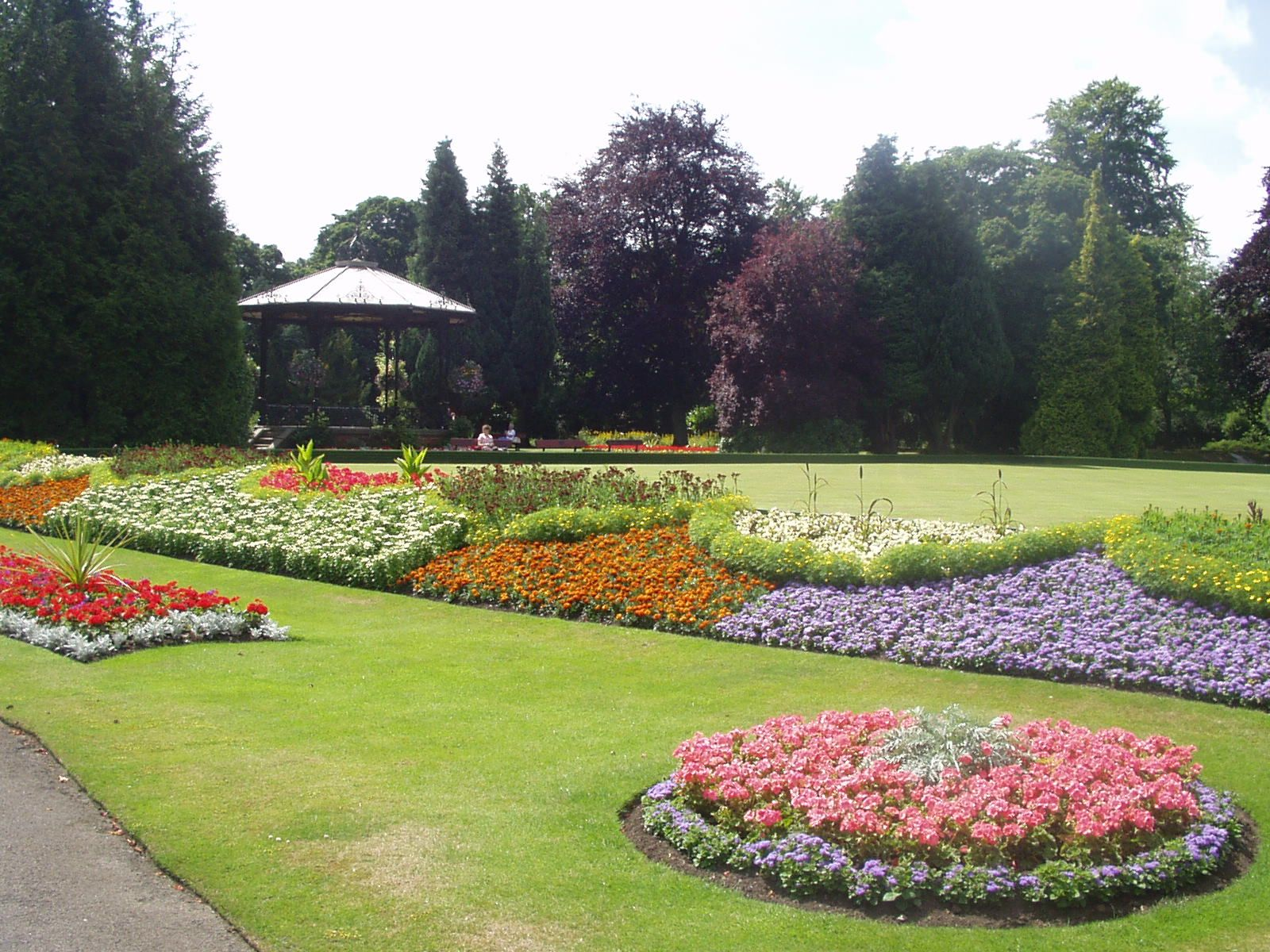 Spa Gardens with the bandstand | Ripon, North yorkshire, Spa