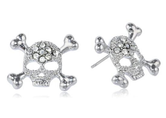 ...skull earrings...