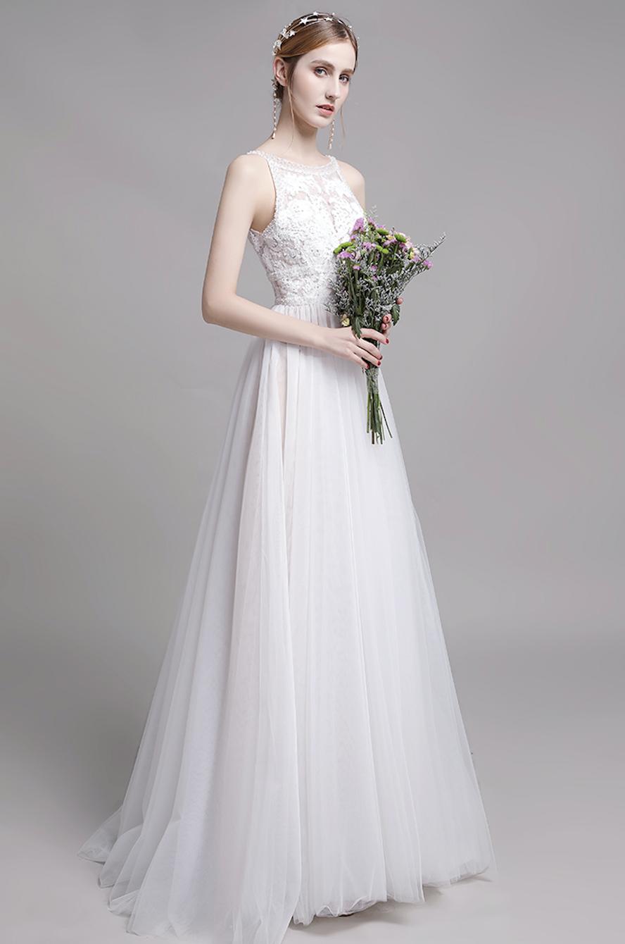 Klassiches Brautkleid in dezenter A-Linie  Kleid hochzeit, Weiße