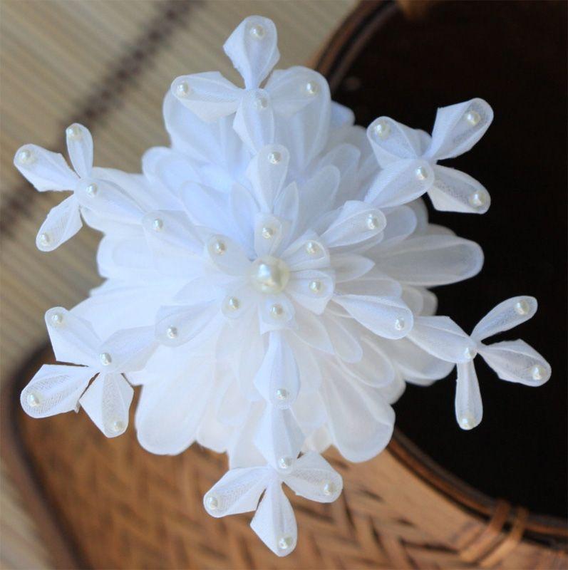 snowflake kanzashi