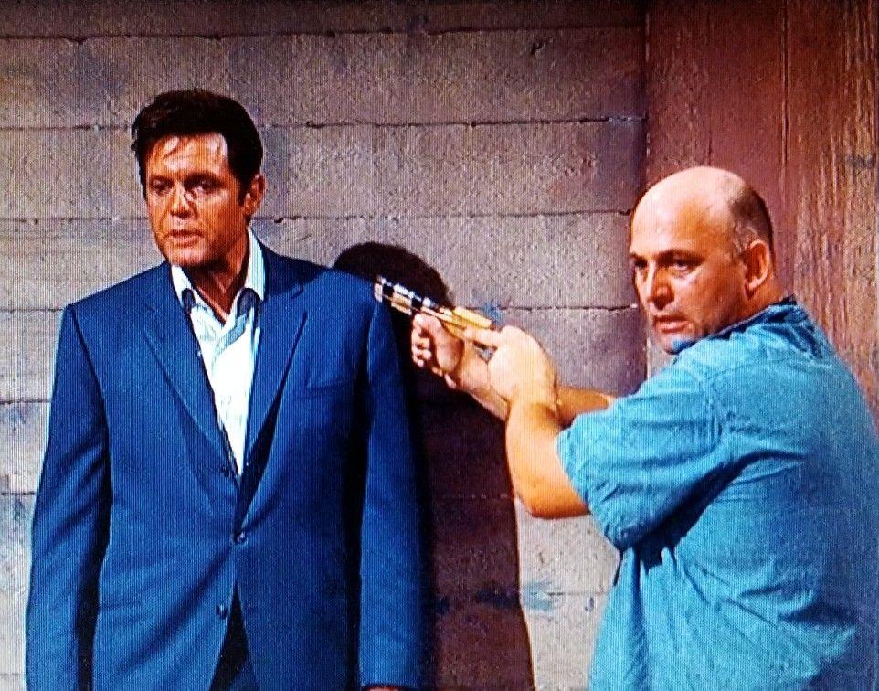 "Jack Lord as Steve McGarrett and Gavin MacLeod as Big Chicken in Hawaii  Five-O season 1 episode 16 ""The Box"" | Gavin macleod, Actors & actresses,  Actors"