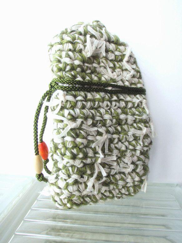 「色畳 -irodatami-」      色名:葉牡丹 -habotan-畳をモチーフに、可愛らしくてどこか懐かしい、手編みで丈夫な携帯ケースを作りました。...|ハンドメイド、手作り、手仕事品の通販・販売・購入ならCreema。