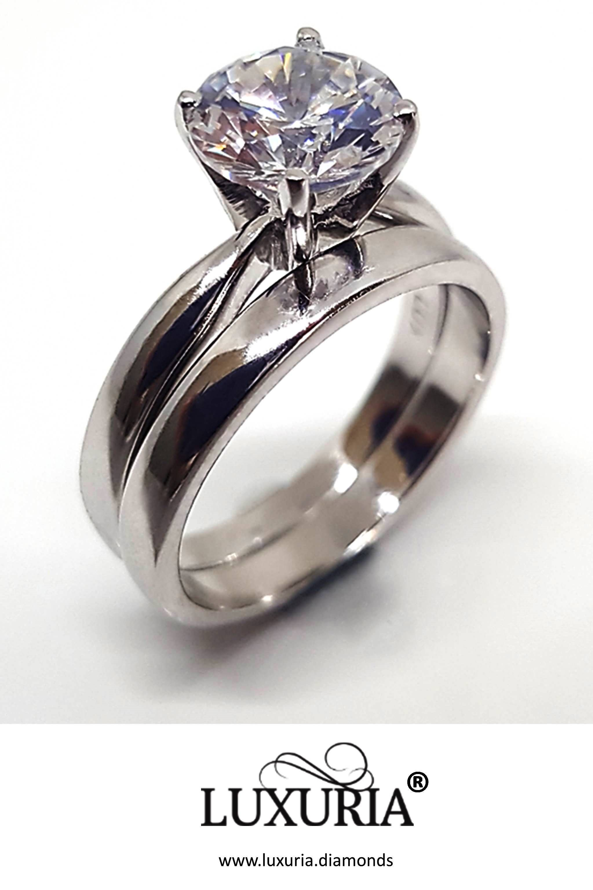 Sterling Silver Round Cut 2.5 Carat Simulated Diamond Wedding Engagement Solitaire Propose Ring