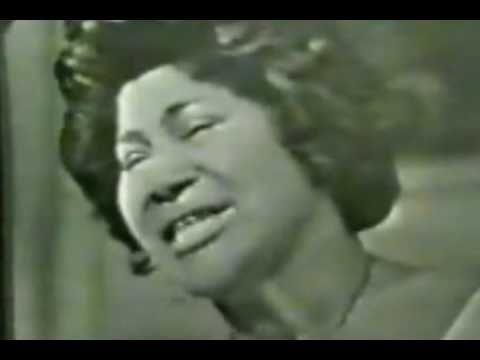mahalia jackson sang this song right before martin luther king made