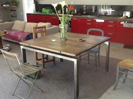table 8 a 12 couverts acier bois exotique cadre en acier d poli aux soudures plateau r alis. Black Bedroom Furniture Sets. Home Design Ideas