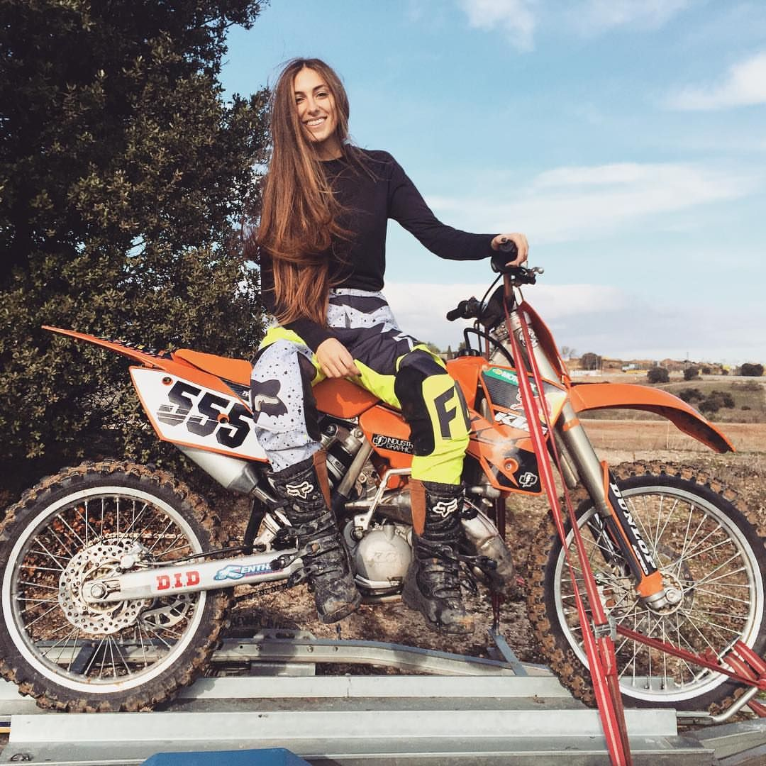 Pin By Mx Creation On Girls Of Motocross With Images Dirt Bike