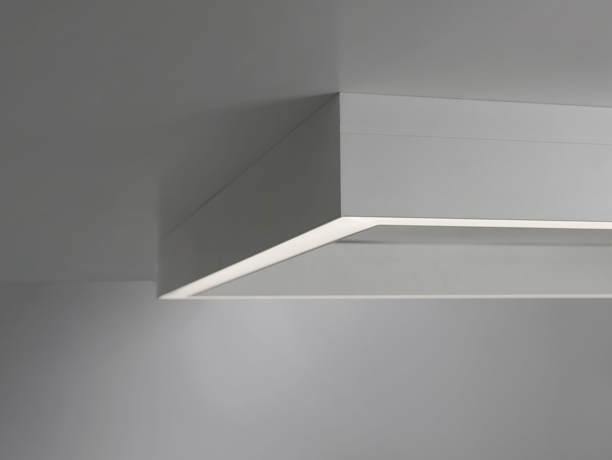 Rail Quadra Designer Abs Studio Ceiling Lamp With Led Source Circuit Is Conceived