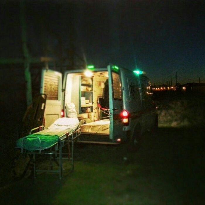 BUENAS NOCHES, BUENA GUARDIA desde BUENOS AIRES !!  De la mismísima Argentina, en la ciudad de Buenos Aires, se encuentra el compañero @Diegomsantamaria que nos envía esta foto nocturna y su saluudo para todos nuestros seguidores.  Muy buenas noches y buena guardia a los que quedáis de servicio cuidándonos. Goodnight, and good watch.  #Argentina #BuenosAires #paramedico #ambulancia #emergencia  http://www.ambulanciasyemergencias.co.vu/2015/11/BUENOSAIRES.html