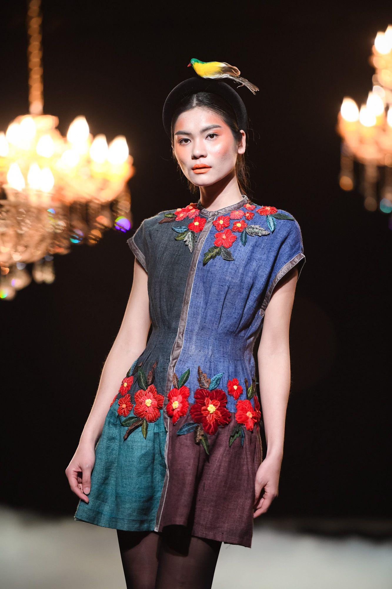 Vietnam Fashion Week FW17 Haute Couture Designer : Minh Hanh Photo ...