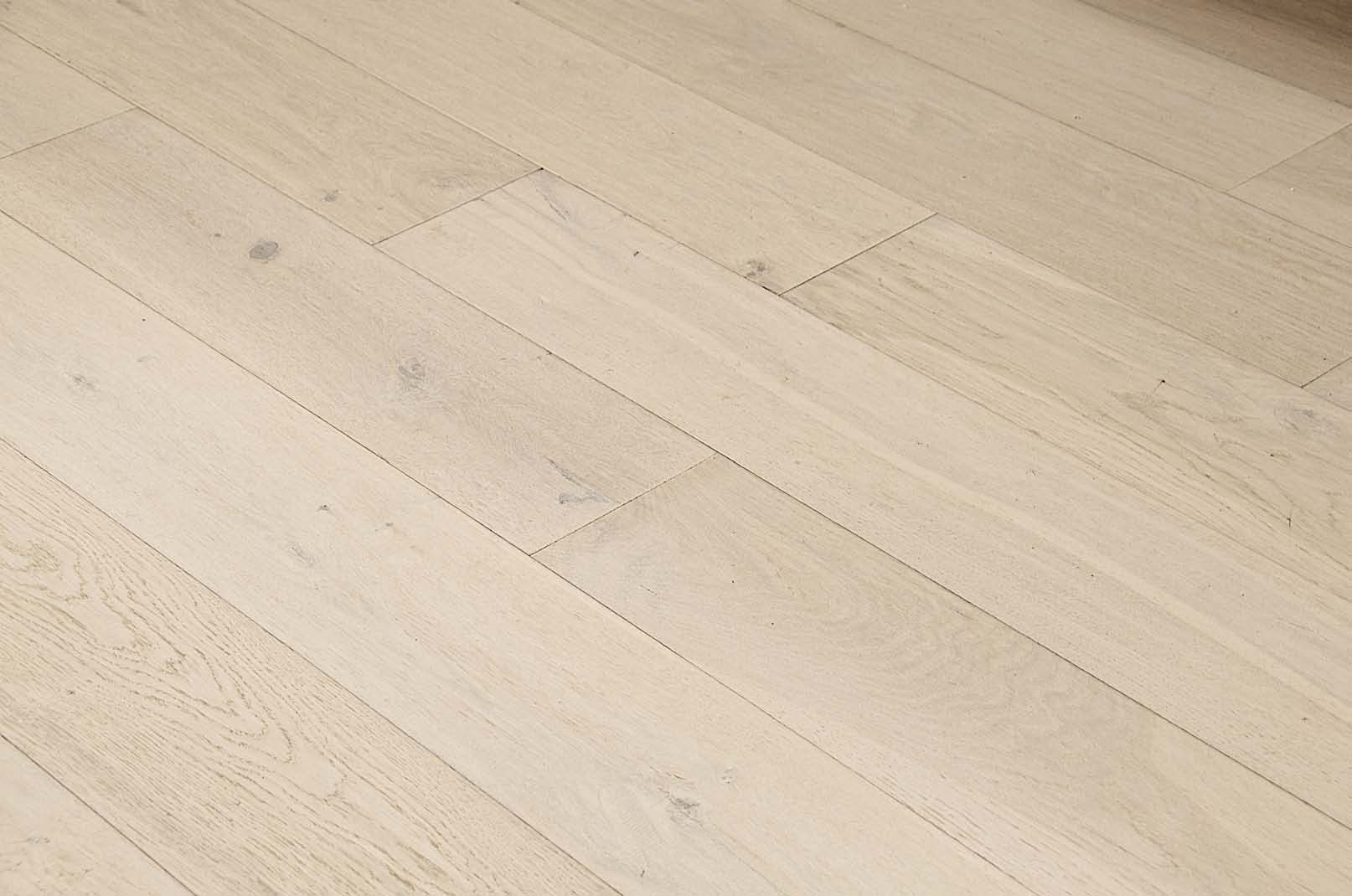 Hand Scraped White Oak Oracle By Vintage Hardwood Flooring #hardwood  #hardwoodflooring #whiteoak #