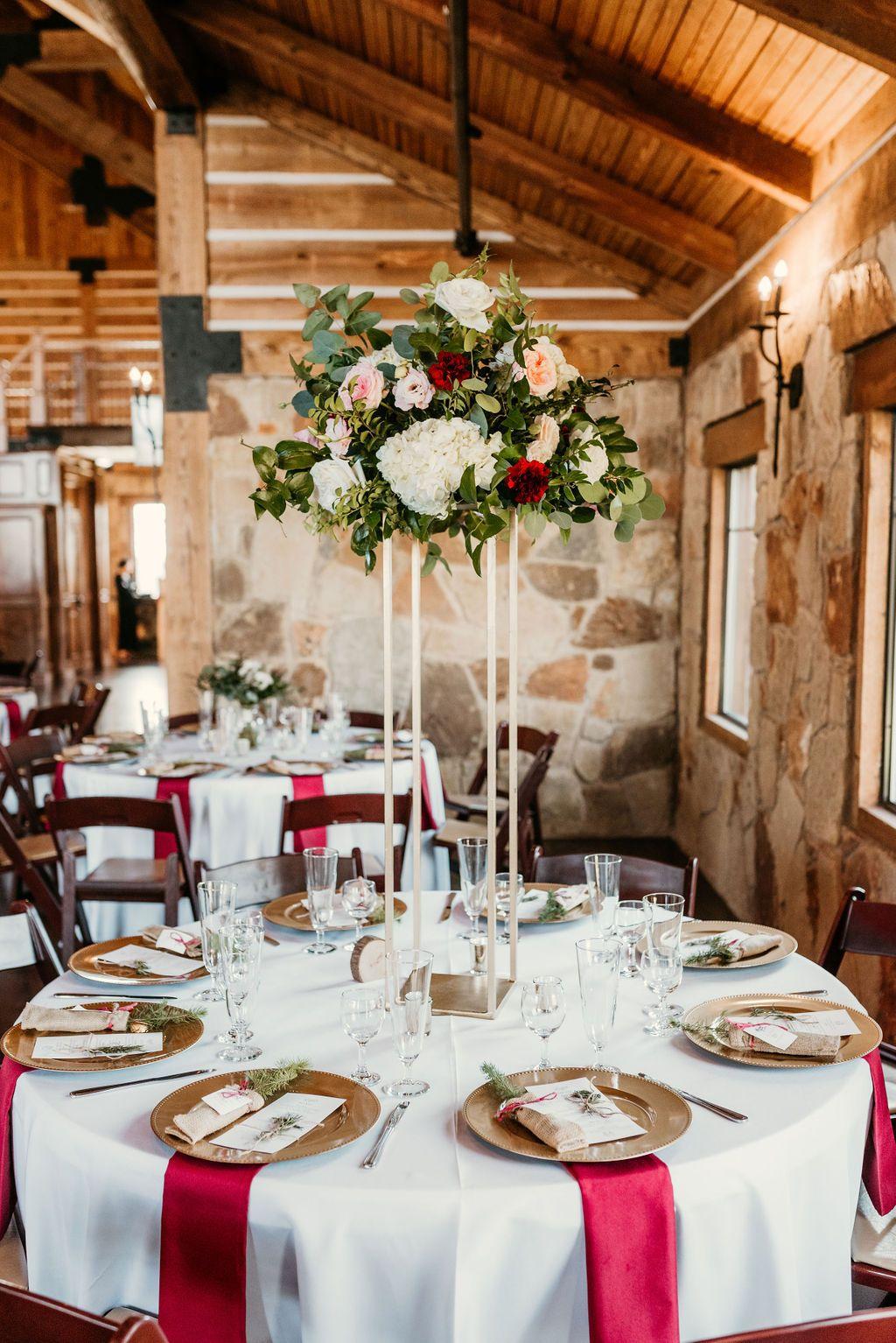 Lodge Wedding Venue In Denton Texas In 2020 Lodge Wedding