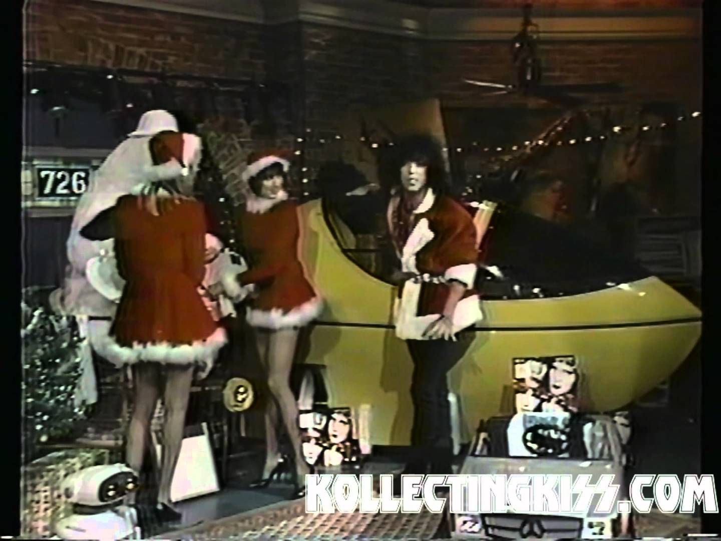 KISS Paul Stanley Christmas Santa VJ 1985
