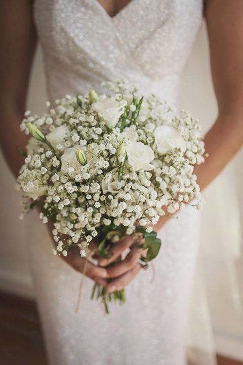 Lisianthus Bouquet Sposa.Baby S Breath And Lisianthus Bouquet Fiori Matrimonio Estivo