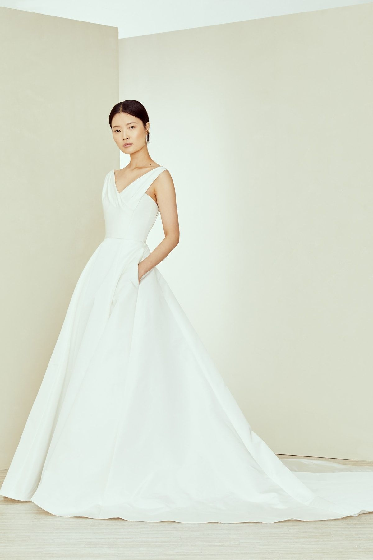 Amsale Bridal Collection Fall 2020 Dress For The Wedding In 2020 Wedding Dress With Pockets Amsale Wedding Dress Amsale Bridesmaid Dresses
