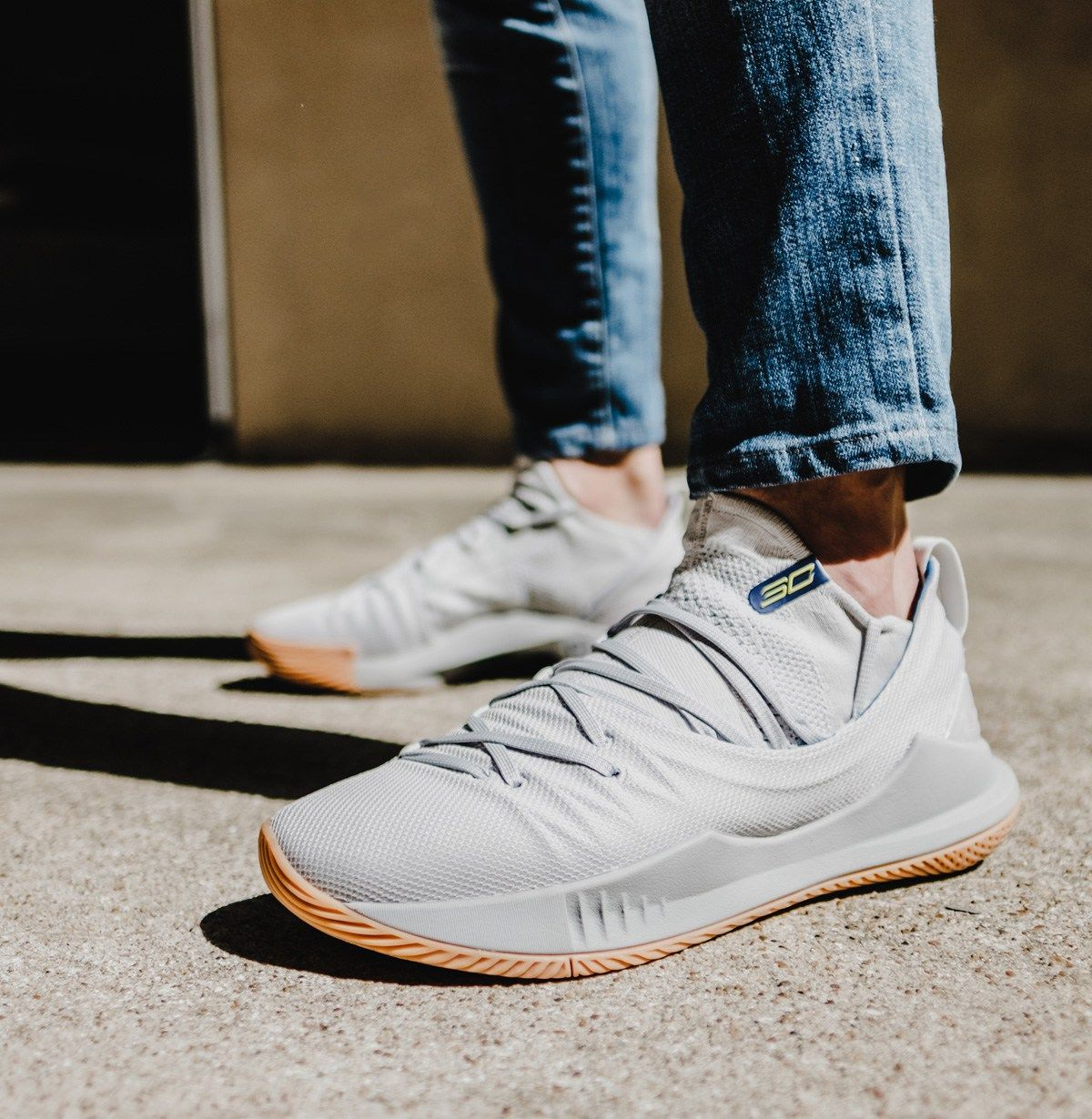 The Under Armour Curry 5 In Grey