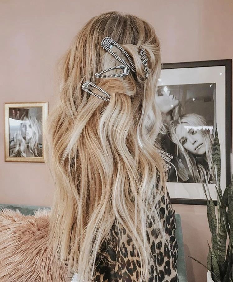 Huge 2020 Hairstyle List The 9 Hottest Trends To Be Obsessed With Ecemella In 2020 Hot Hair Styles Hair Hair Color