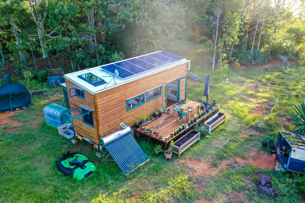 Amazing Off The Grid Tiny House Has Absolutely Everything Revisited Living Big In A Tiny House Buy A Tiny House Off Grid Tiny House Tiny House Rustic