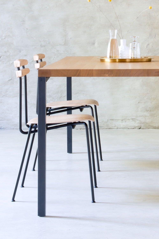 Minimalistischer Massivholztisch Lola Mit Rohstahlfüßen Ein Schöner Zeitloser Esstisch Made In Germany By Mbzwo Esszimmerstuhl Massivholztisch Design Tisch