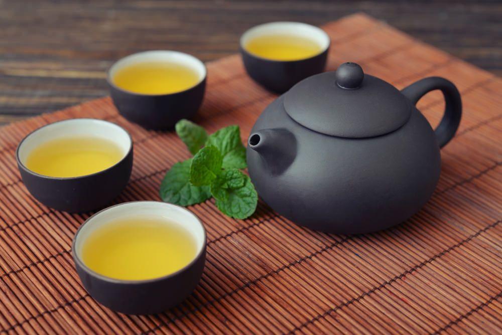 Le thé à la menthe fait-il maigrir ? (avec images) | Thé