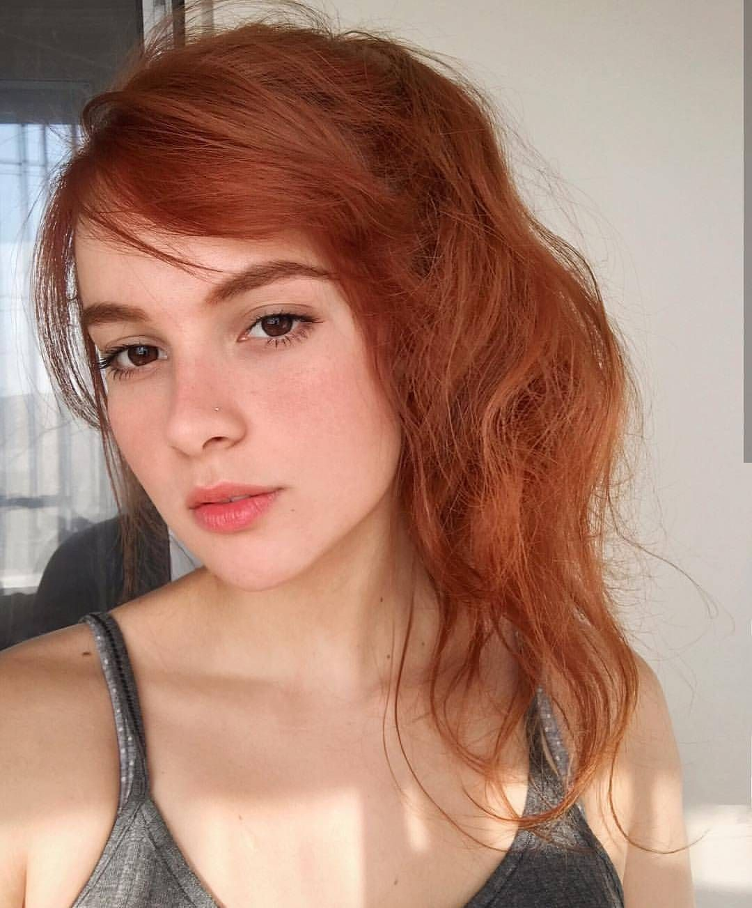 Young teen redhead selfies