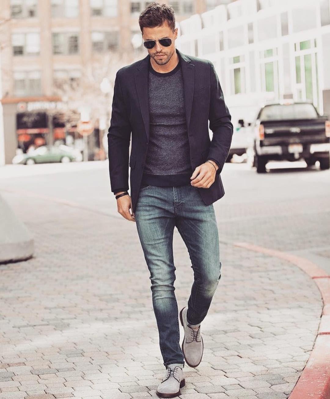 fbadb90293 We love this smart casual tech company look. A versatile navy blazer is a  wardrobe essential.  dadthreads
