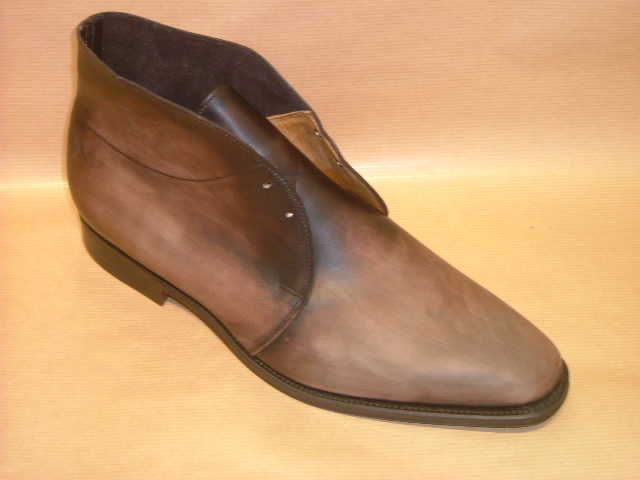 A discussion on recoloring leather shoes. Some good photos and ...