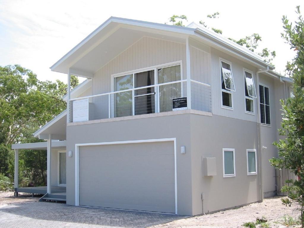 Sydney design group pl baywinds beach house love the - Beach house color schemes exterior ...