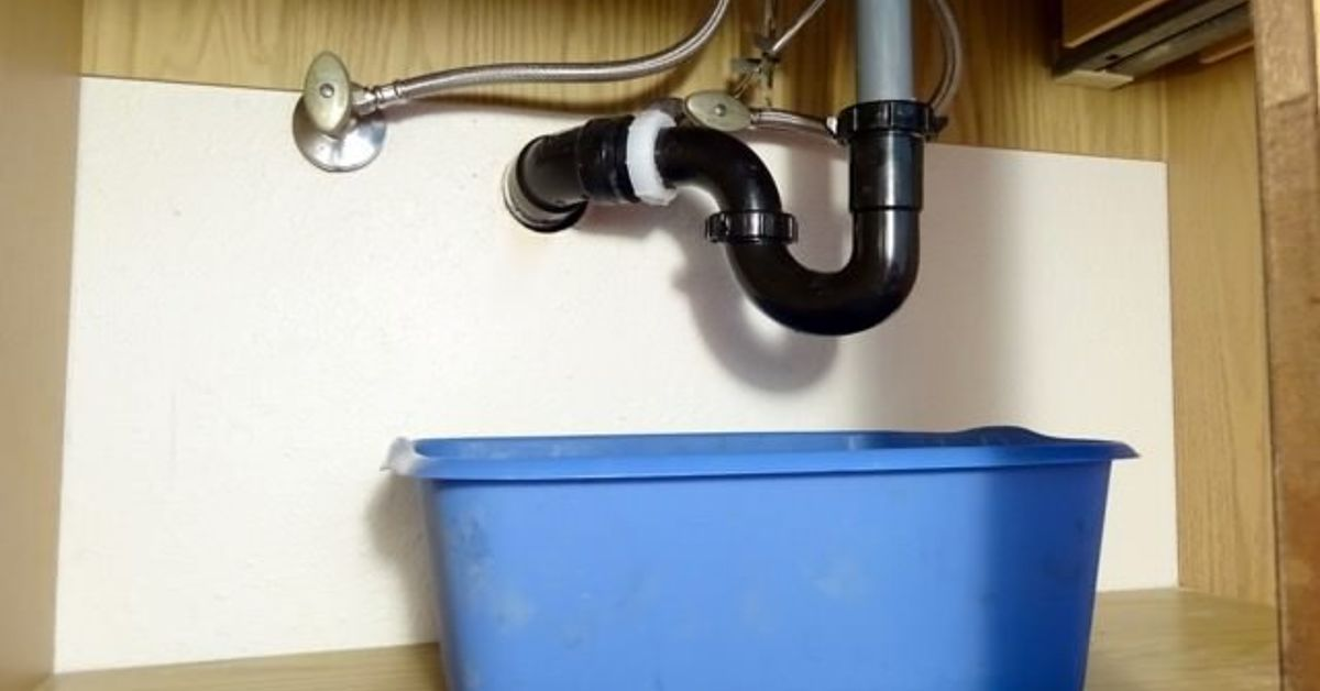 how to clear a clogged sink drain without chemicals in 2019 rh pinterest com