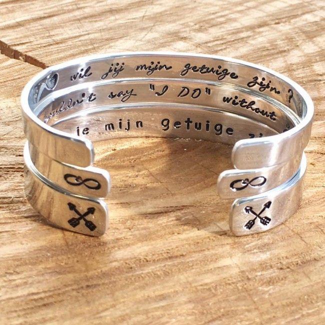 Een unieke gepersonaliseerde armband met jouw eigen tekst