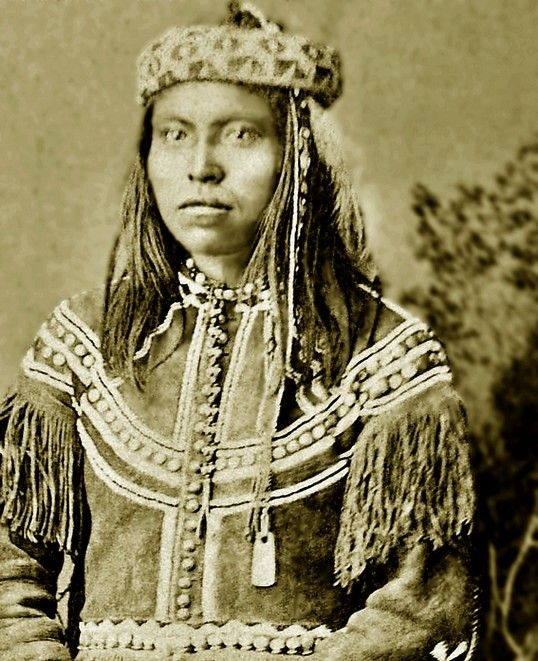 "Apache, Nalta also known as David Longstreet. He was also known as ""San Carlos Dude"" or just ""Dude"". Sadly no date for photograph."