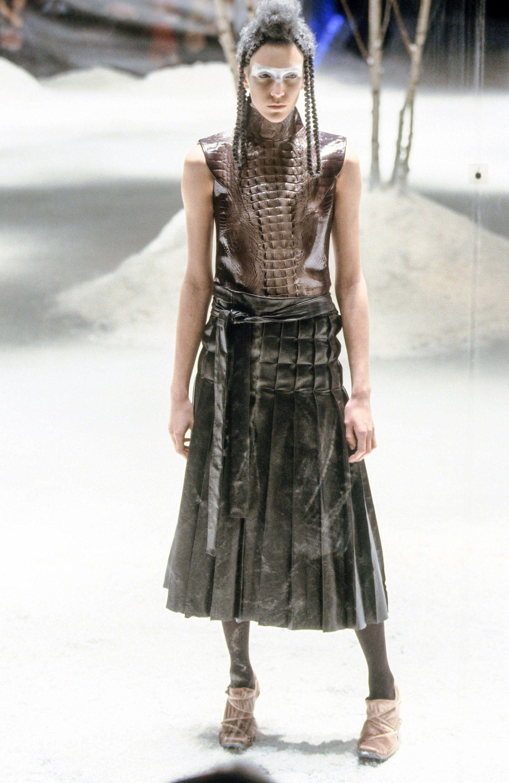 Alexander mcqueen fall readytowear fashion show mcqueen