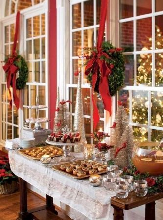 Terrific 25 Elegant Christmas Party Table Decorations Ideas 18 Download Free Architecture Designs Boapuretrmadebymaigaardcom