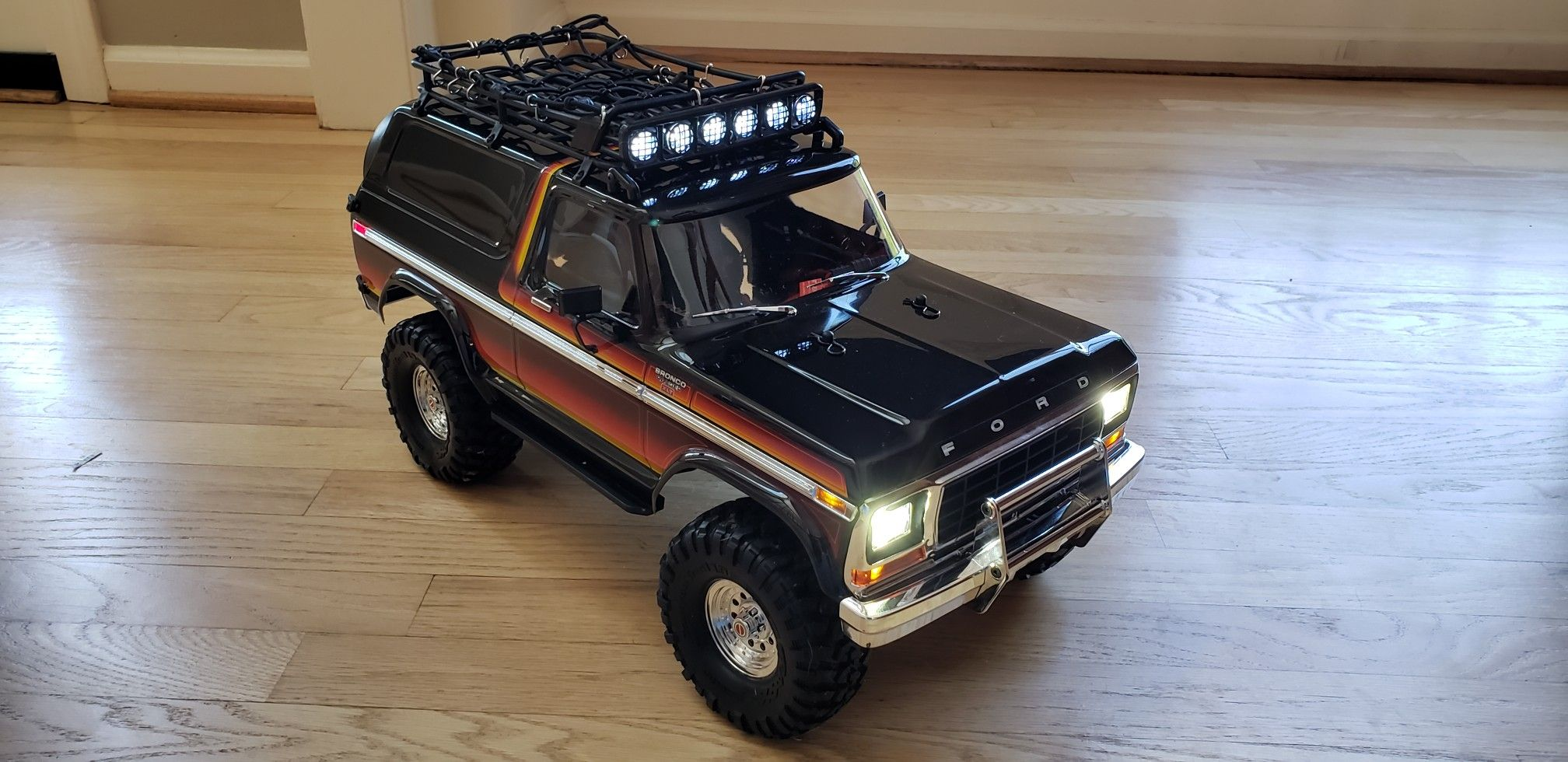 Got The Roof Rack And Cargo Net Installed Today With 1 10 Accessories On Thier Way Going Super Scale On This Traxxas Trx Ford Bronco Traxxas 1979 Ford Bronco