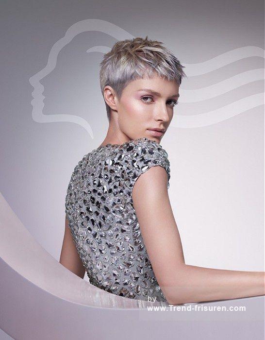 Wella Kurze Grau Weiblich Gerade Farbige Silber Frauen Haarschnitt Buro Frisuren Hairstyles Kurzhaarfrisuren Haarschnitt Kurz Modische Kurzhaarfrisuren