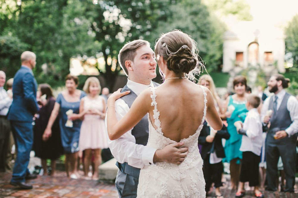Classic outdoor wedding in Columbus | Vintage-inspired wedding ...