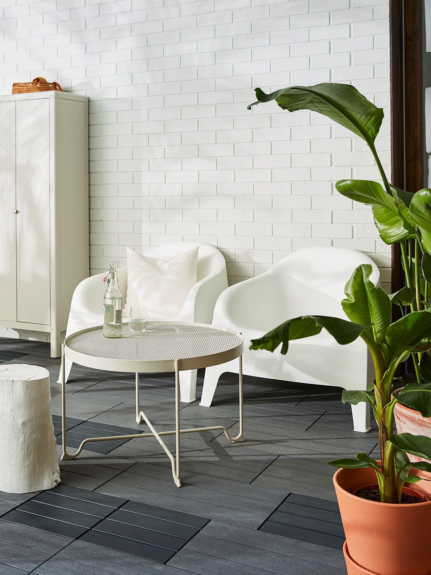 Skarpo Armchair Outdoor White Ikea In 2021 Coffee Table Outdoor Flooring Ikea Outdoor [ 2000 x 1500 Pixel ]