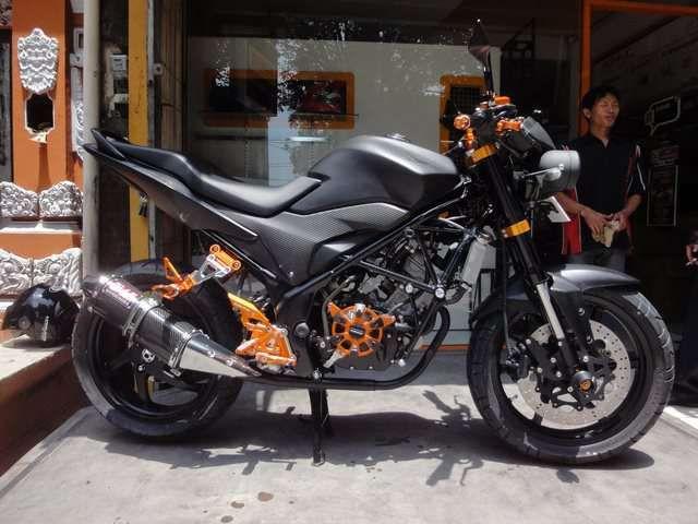 modifikasi motor honda cb150r terbaru  tahun ini