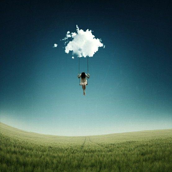 en las nubes. floating on a cloud.