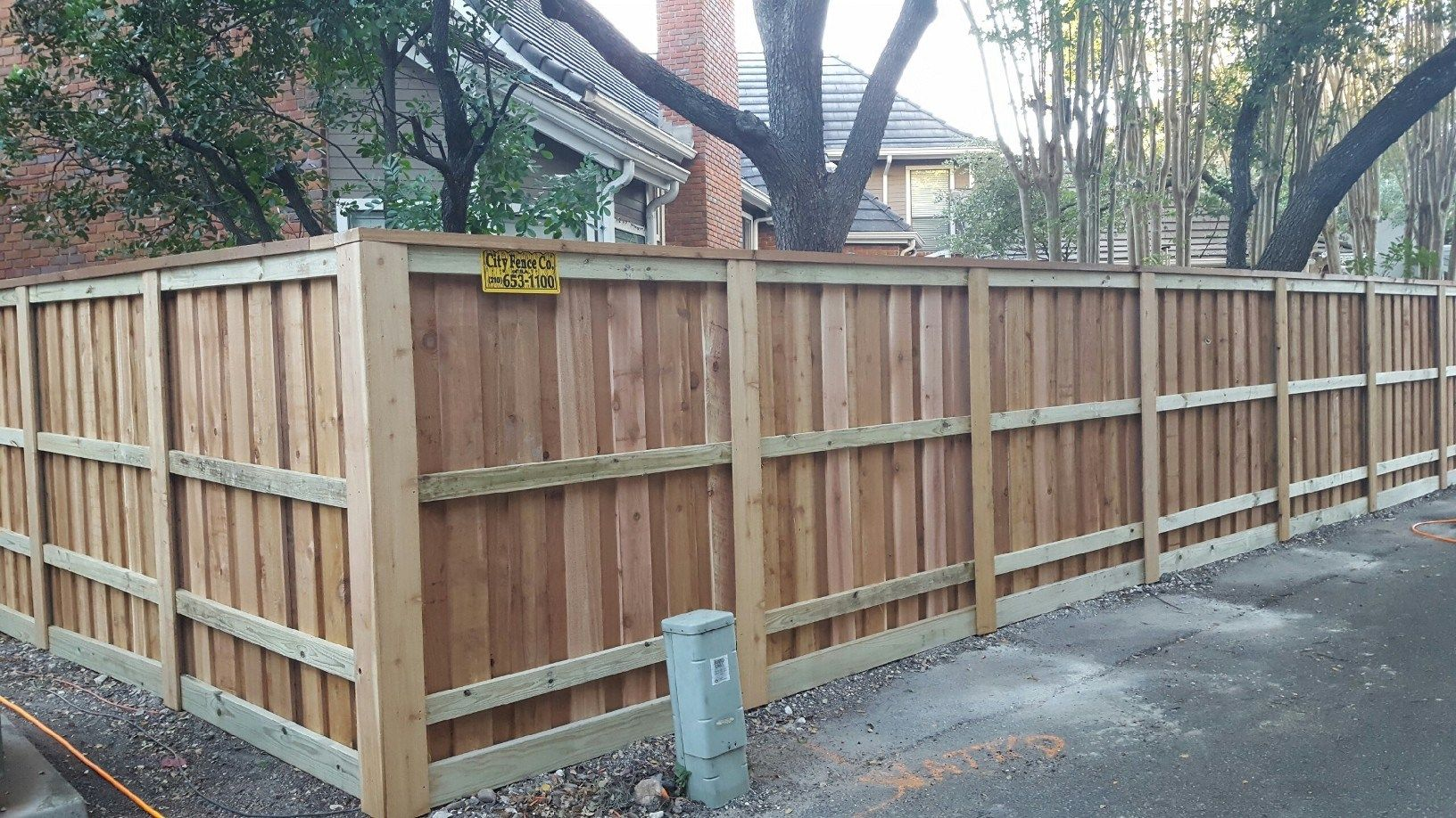 1x6x6 Cedar Privacy Fence Board On Board Style Flush Steel Postmaster Posts 2x8 Rough Cedar Cap Resident Fence San Antonio San