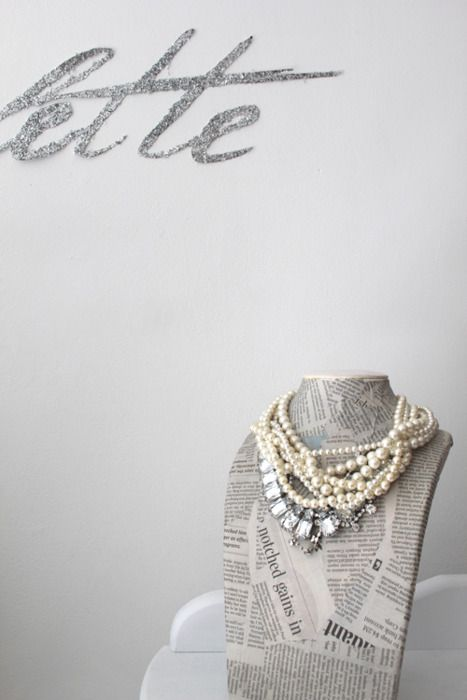 Jewelry Bust Paper Mache With Newspaper Great Idea To Show Off A Dazzling Piece Of Jewelry Jewellery Display Diy Jewelry Jewellery Storage
