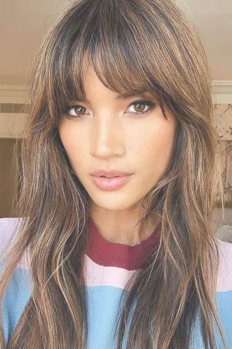 Straight Bangs For Long Faces Hairstyles Faceshape Longface Here Are 15 Fun Hairstyles For Long Faces Long Face Hairstyles Long Face Haircuts Hair Styles