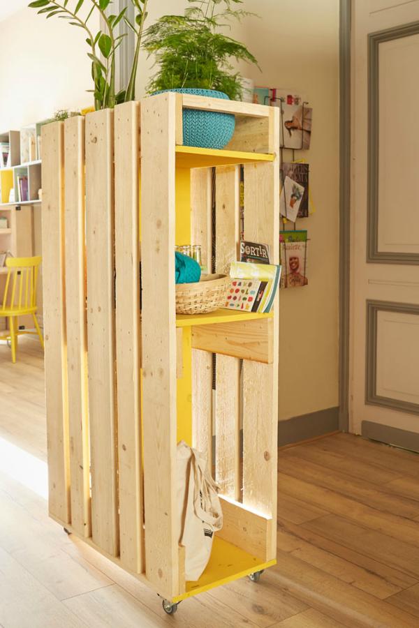 Tuto Diy Un Vestiaire En Palettes Etageres En Bois De Palettes Meubles En Bois De Palettes Idee Deco Appartement
